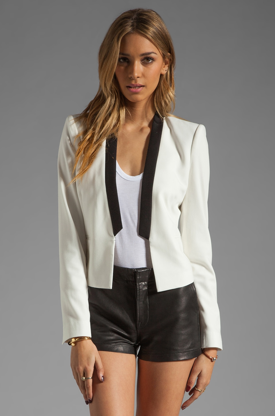 BCBGMAXAZRIA Cropped Blazer in Off White