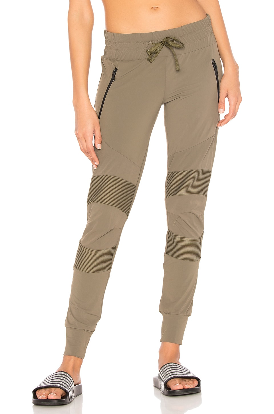BELOFORTE Spring Track Pant in Combat