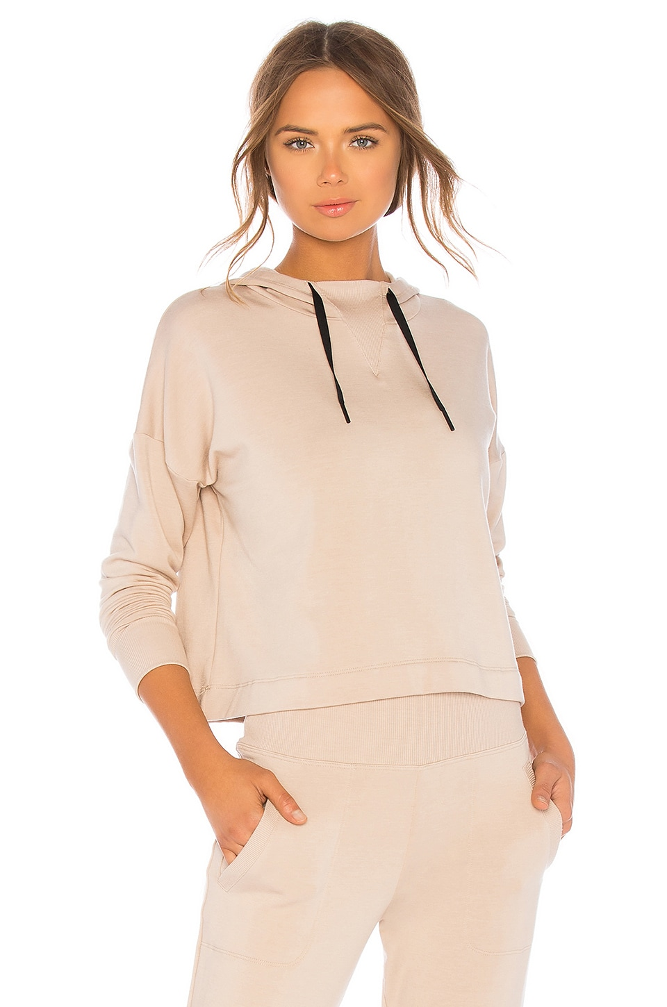Beyond Yoga Sedona Cropped Hoodie in Texas Taupe