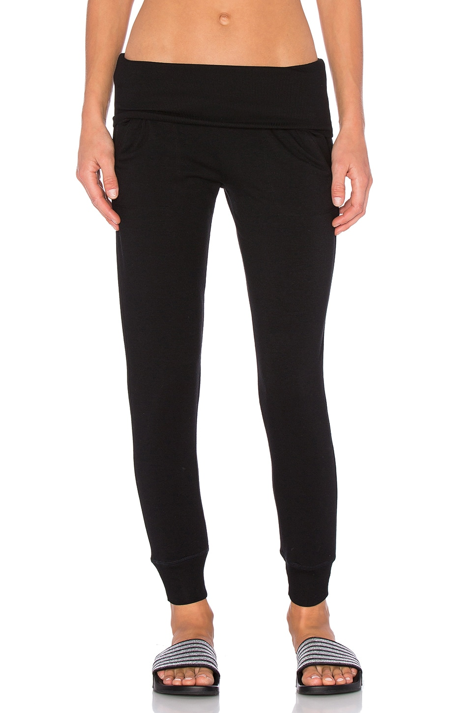Beyond Yoga Cozy Fleece Foldover Sweatpant in Black
