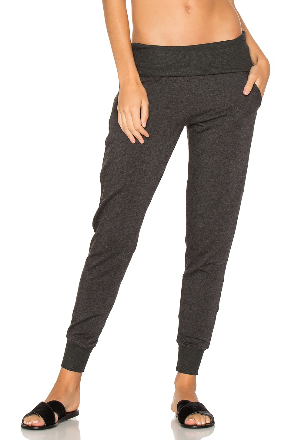 Beyond Yoga Cozy Fleece Foldover Sweatpant in Charcoal Heather Grey