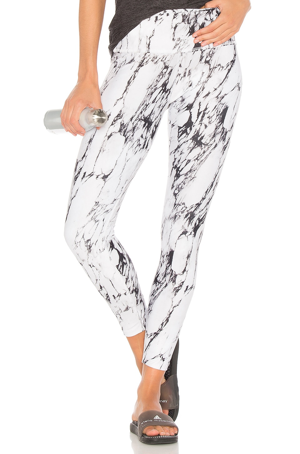 Beyond Yoga Back Cross Legging in White Marble