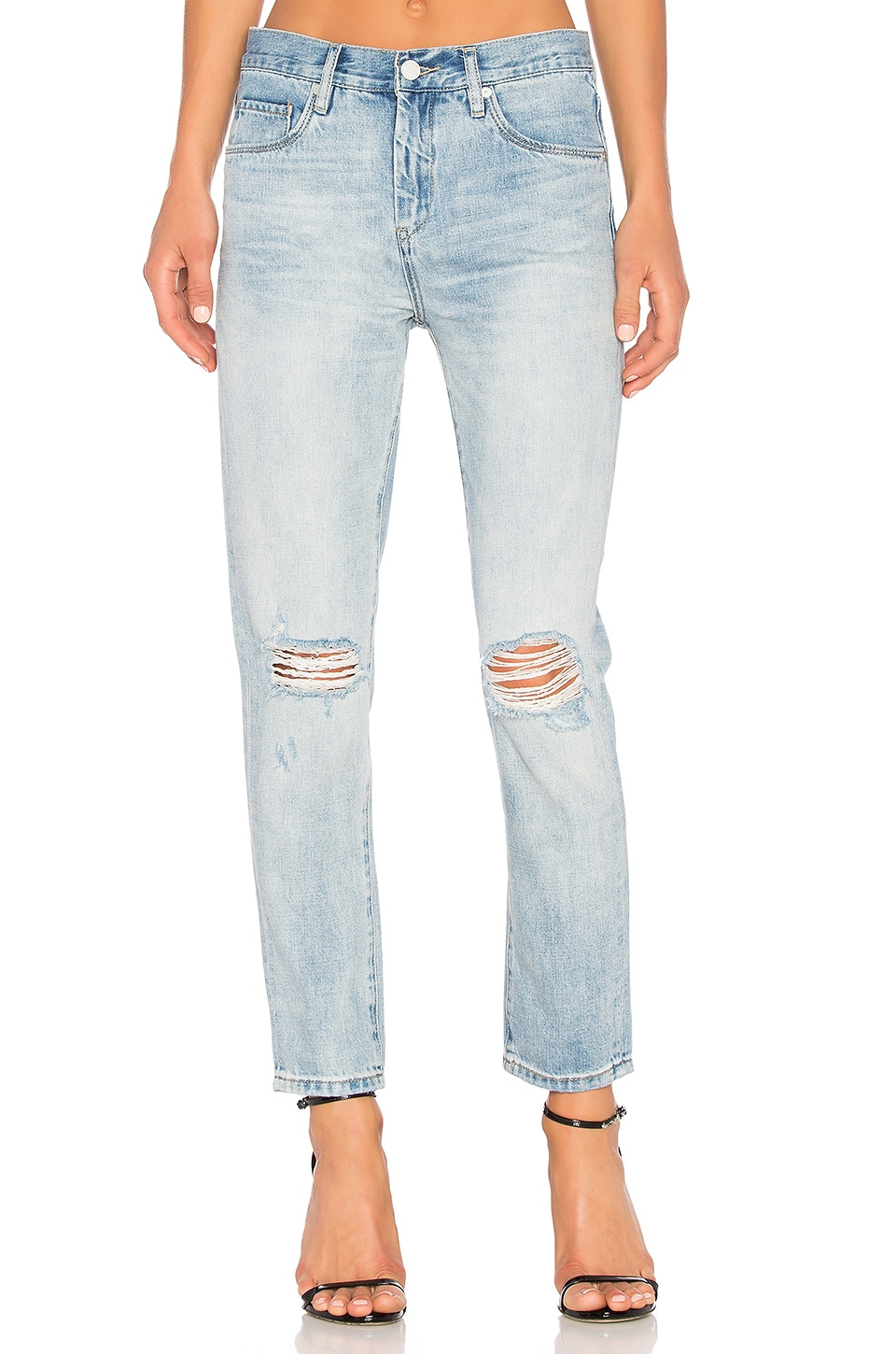 BLANKNYC Distressed Skinny in Personal Drainer