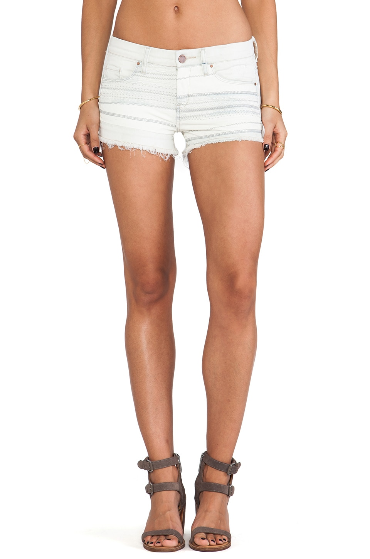 BLANKNYC Jean Shorts in Is Miley Serious