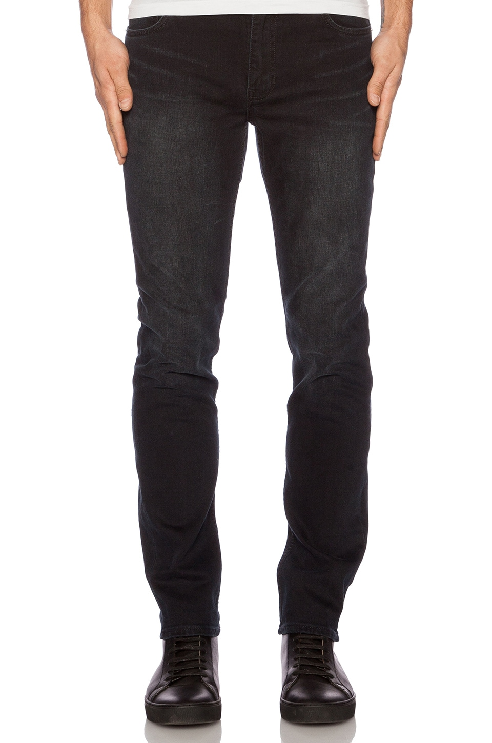 BLK DNM Jeans 5 in Beekman Black