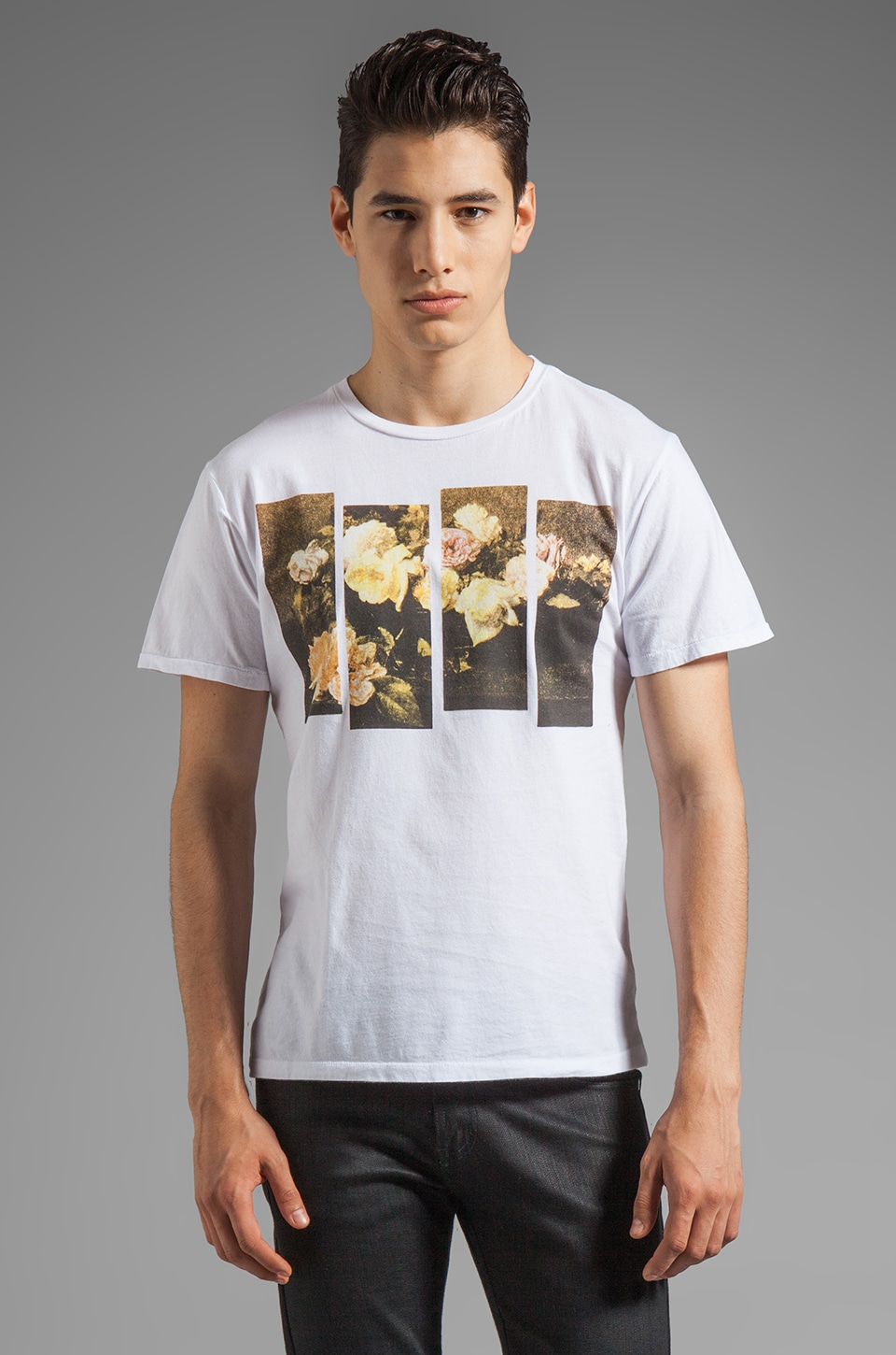 BLOOD IS THE NEW BLACK Stay Close MC Tee in Bright White