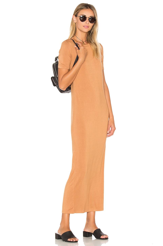 BLQ BASIQ Tee Maxi Dress en Caramel