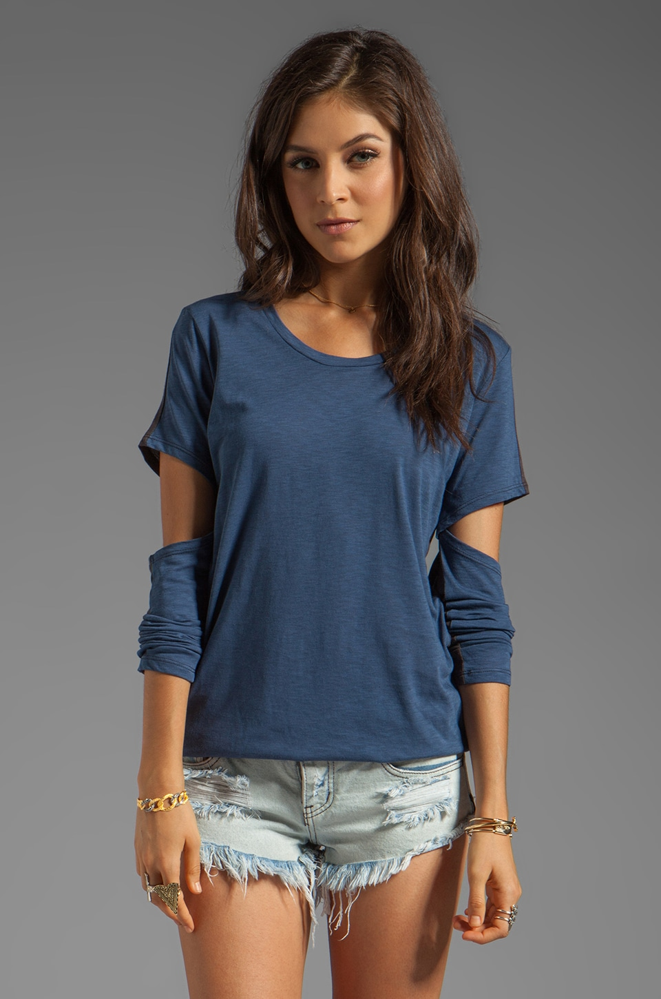 Blue Life Scoop Neck Cut Out Sleeve Tee in Cadette Combo