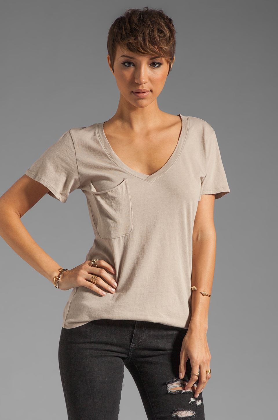 Bobi Light Weight Jersey V Pocket Tee in Coco