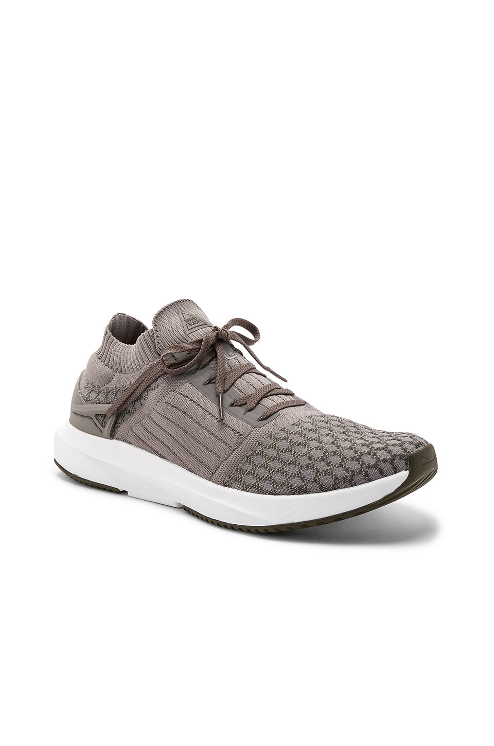 Brandblack Viento in Grey