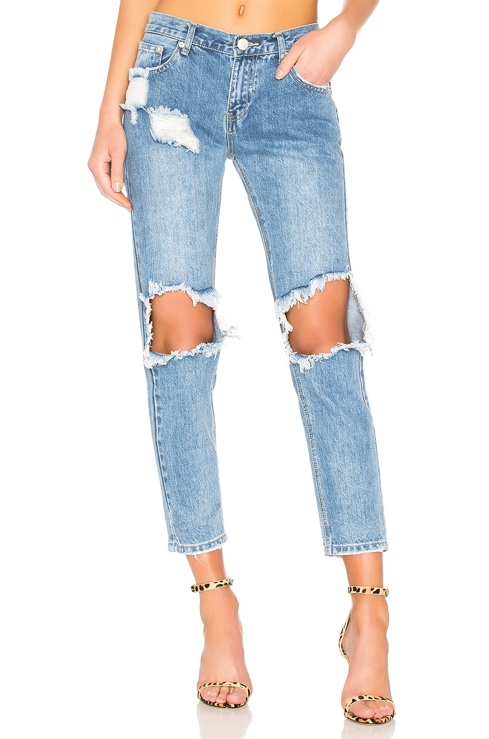 superdown Angie Girlfriend Jeans in Mid Wash Blue