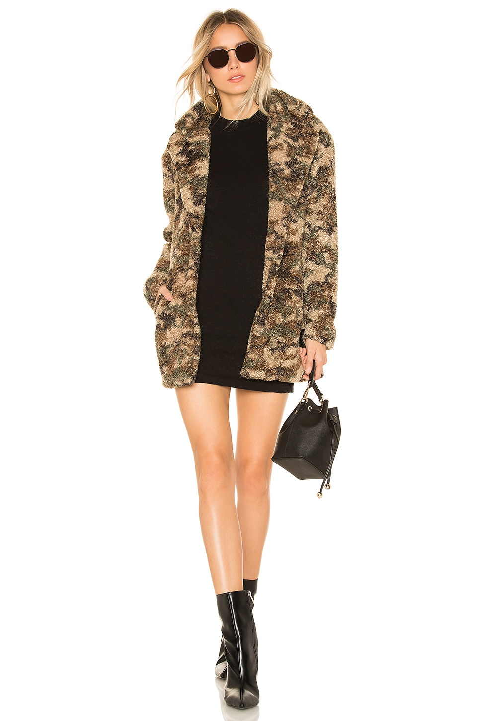 BY THE WAY. Emery Camo Faux Fur Coat in Green