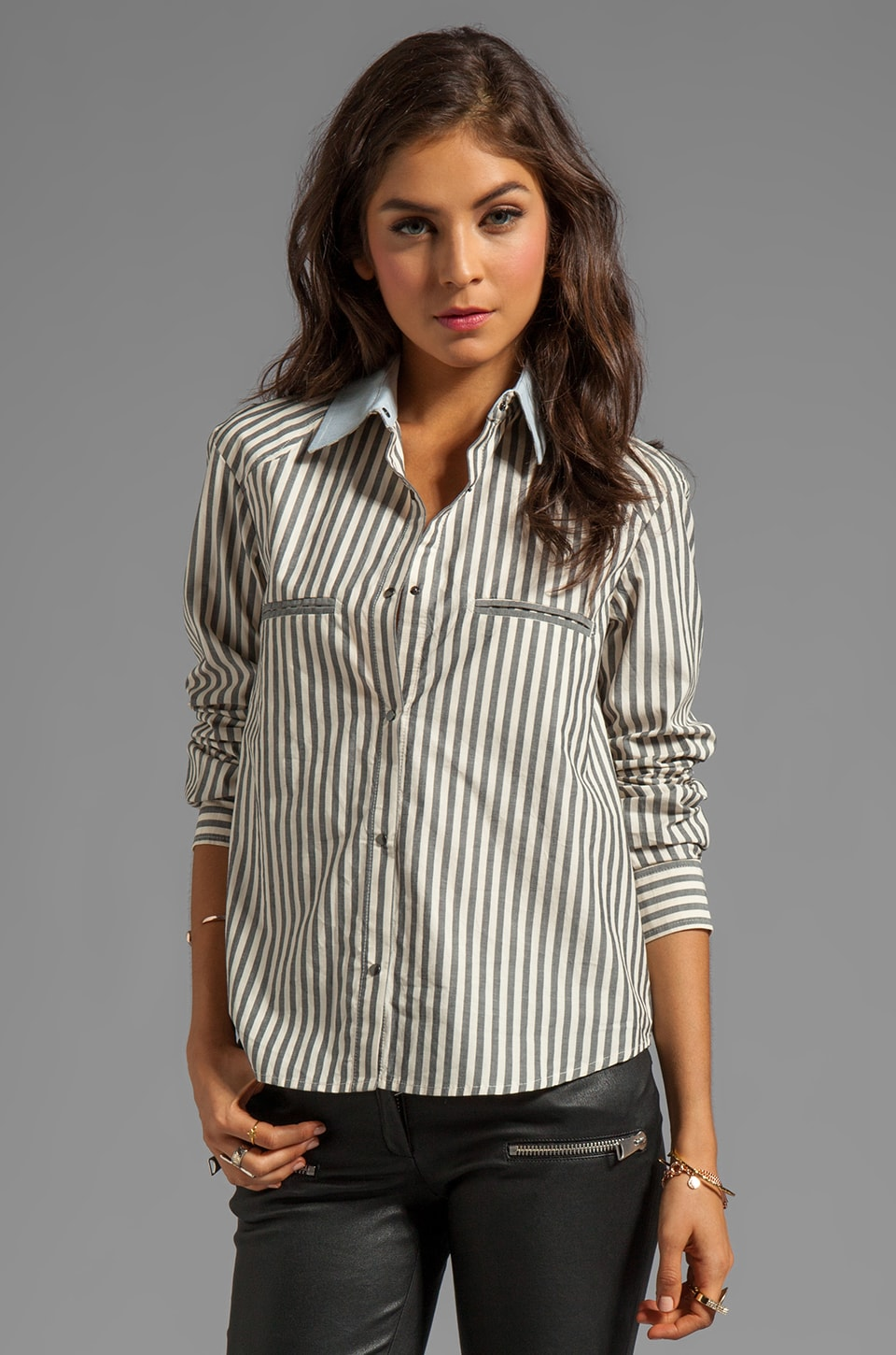 BY ZOE Louise Button Up in Grey/White