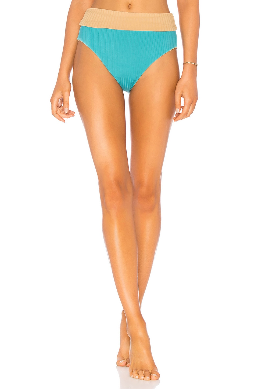 CALI DREAMING Reel Bikini Bottom in Tan