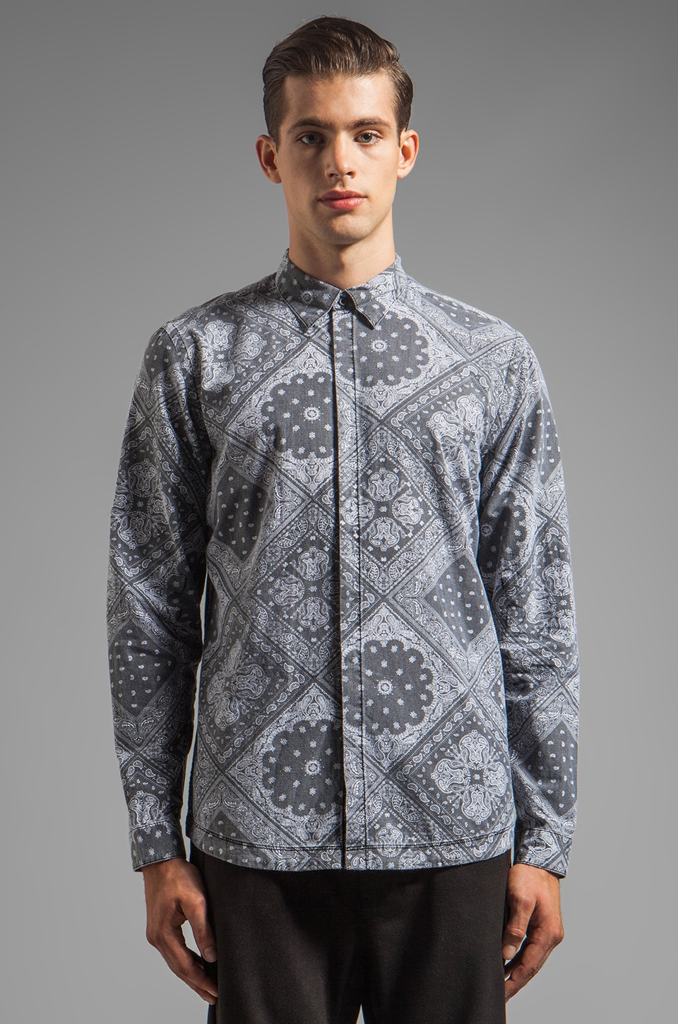 CHAPTER Balt Hidden Pocket Button Down in Paisley Print