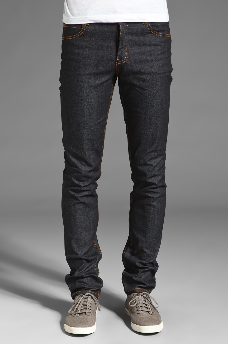 Classic, stylish dark wash jeans look good dressed up or worn casual, night or day. Browse our complete collection of dark wash jeans for men at Levi's®.