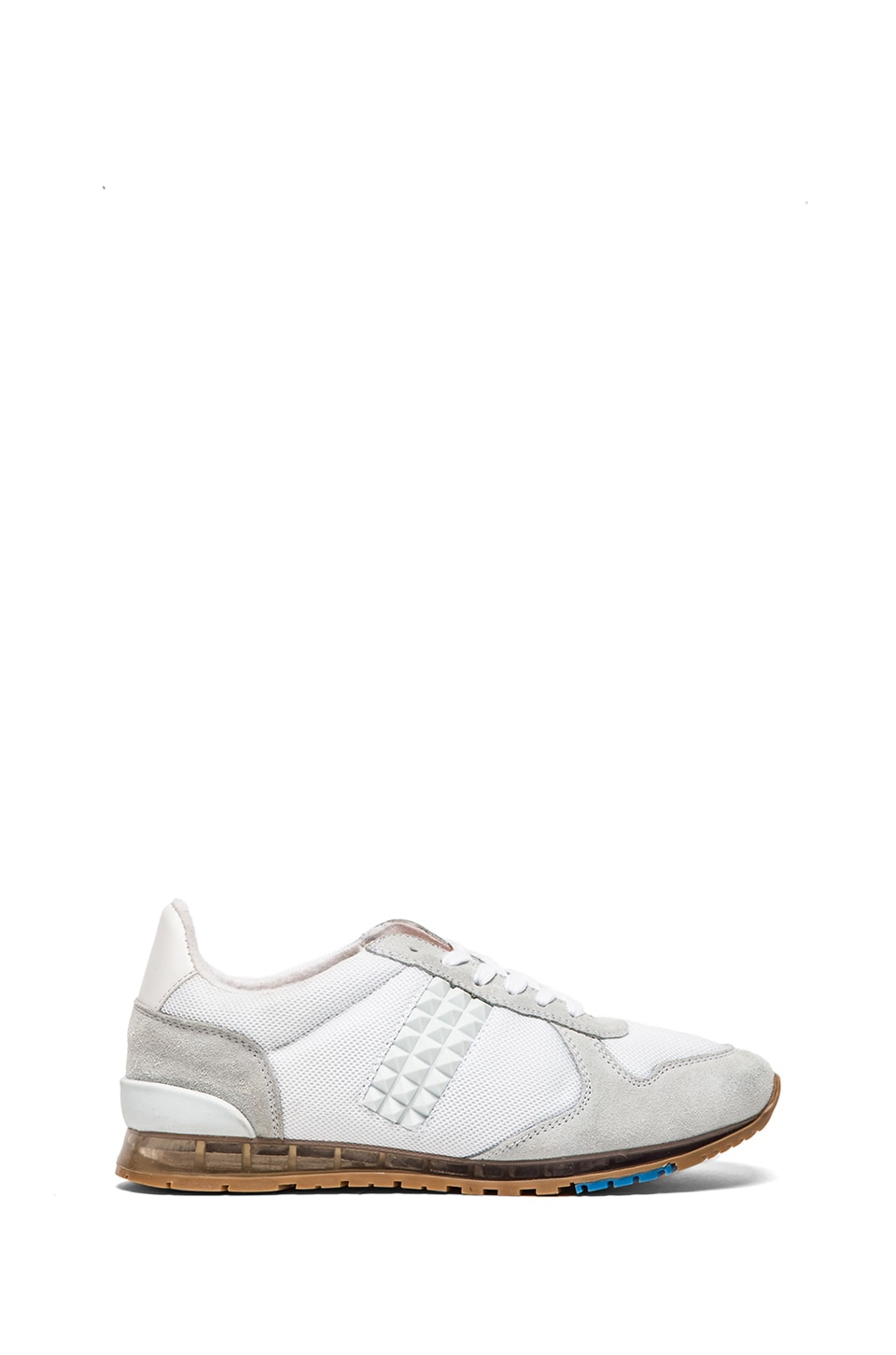 Caminando Studs Trainer in White