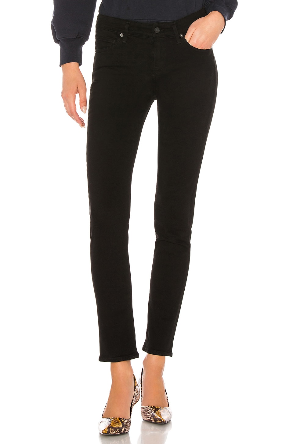 Citizens of Humanity Racer Low Rise Skinny in Plush Black