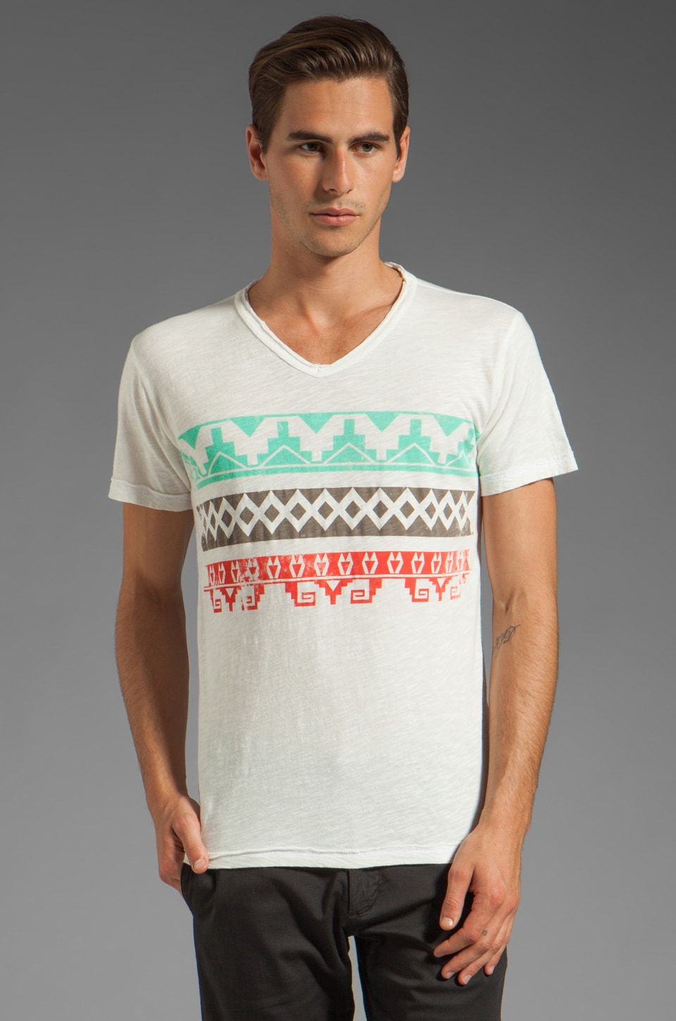 Cohesive & co. Mystique Short Sleeve V-Neck Tee in Ice