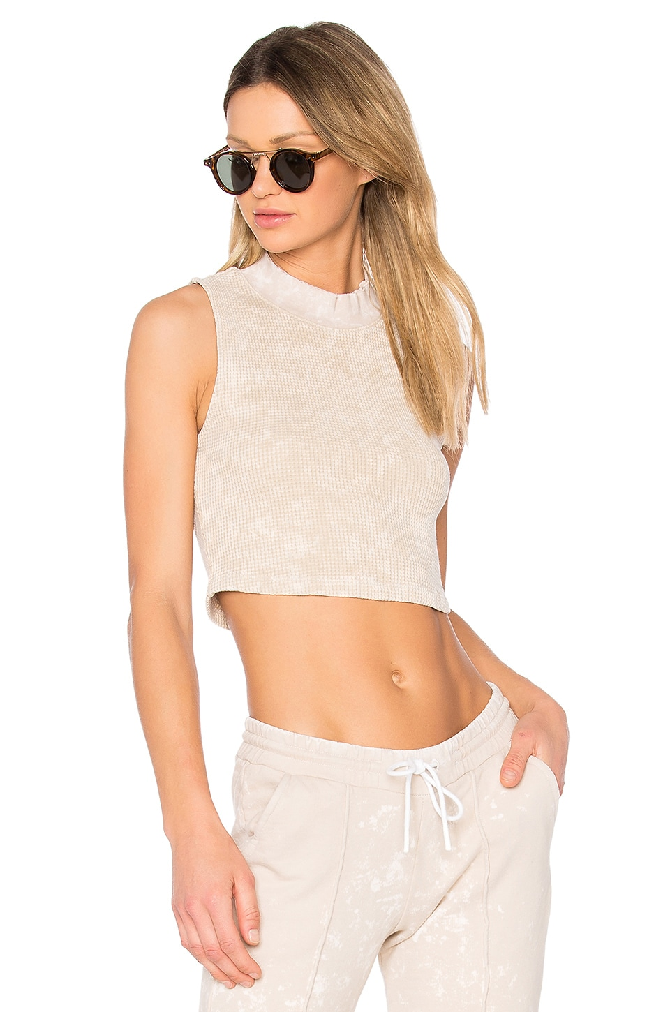 COTTON CITIZEN The Monaco Crop Tank in Sand Dust
