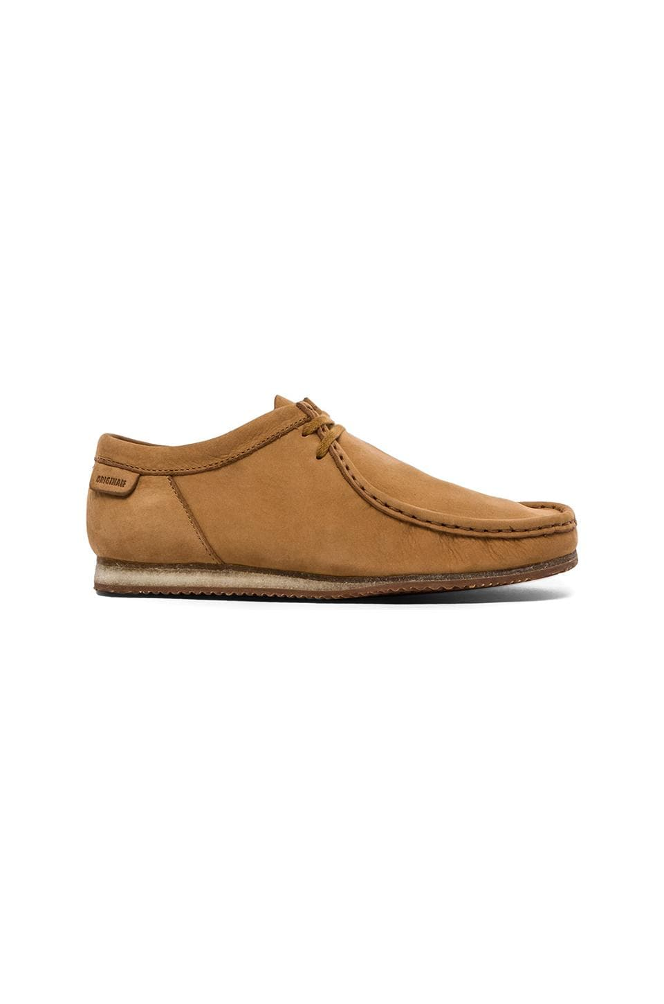 Clarks Originals Wallabee Run in Tan Nubuck