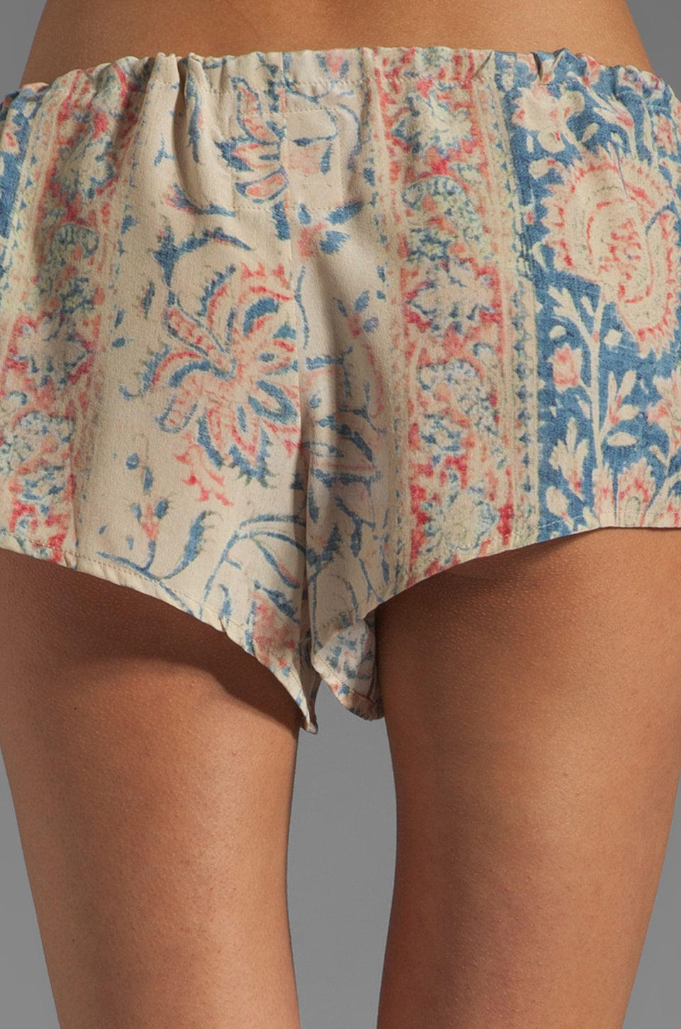 Chaser Vintage Tapestry Silk Drawstring Shorts in Sand Washed