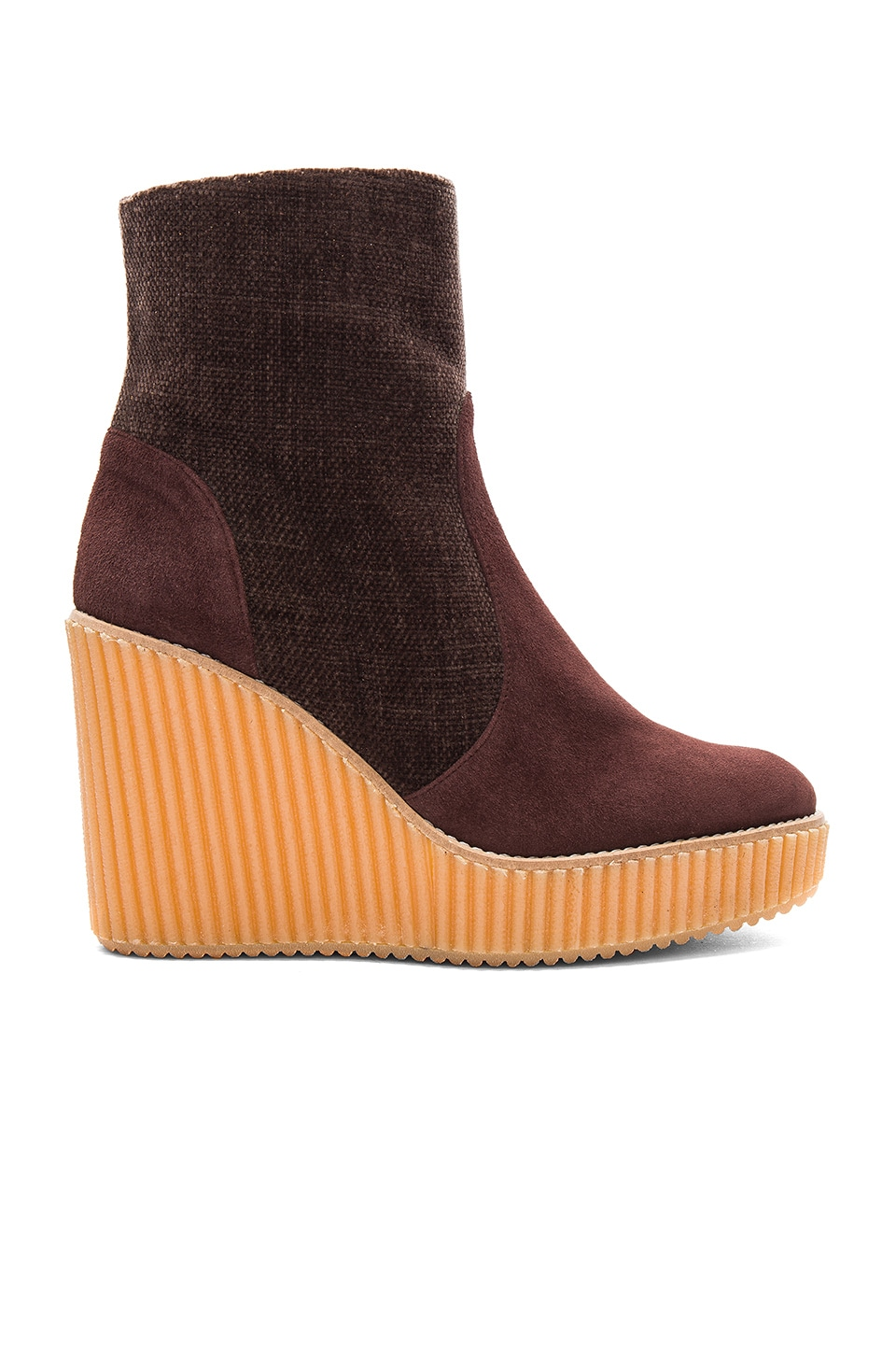 Quilmes Wedge by Castaner