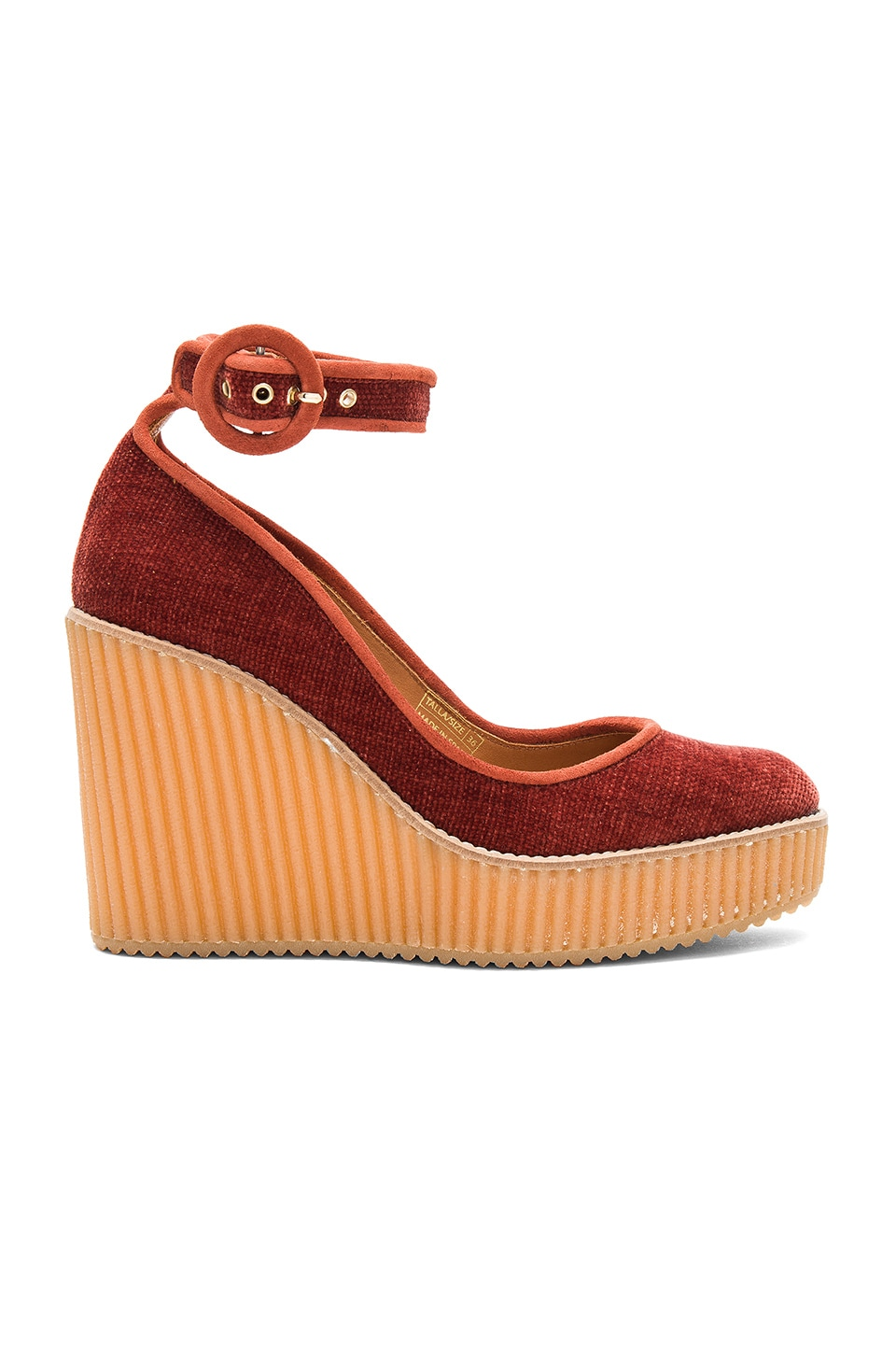 Quintay Wedge by Castaner