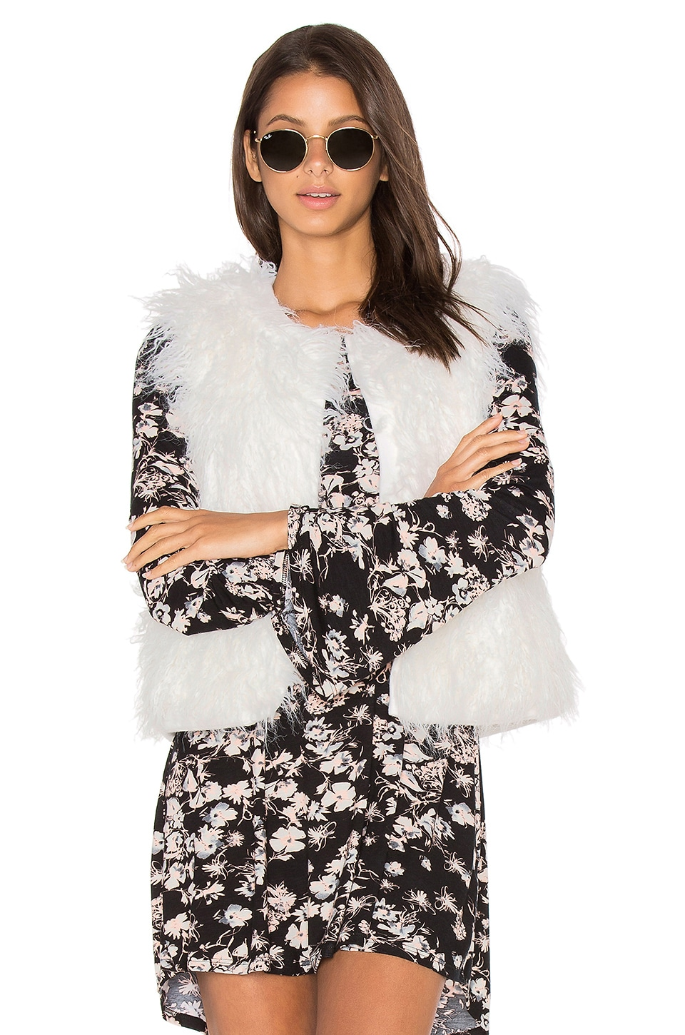 cupcakes and cashmere Nelda Faux Fur Vest in Ivory