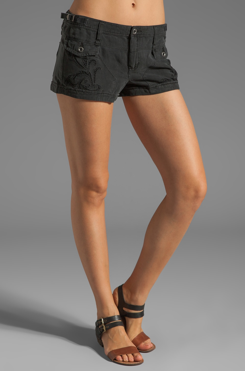 Da-Nang Double Pocket Shorts in Black
