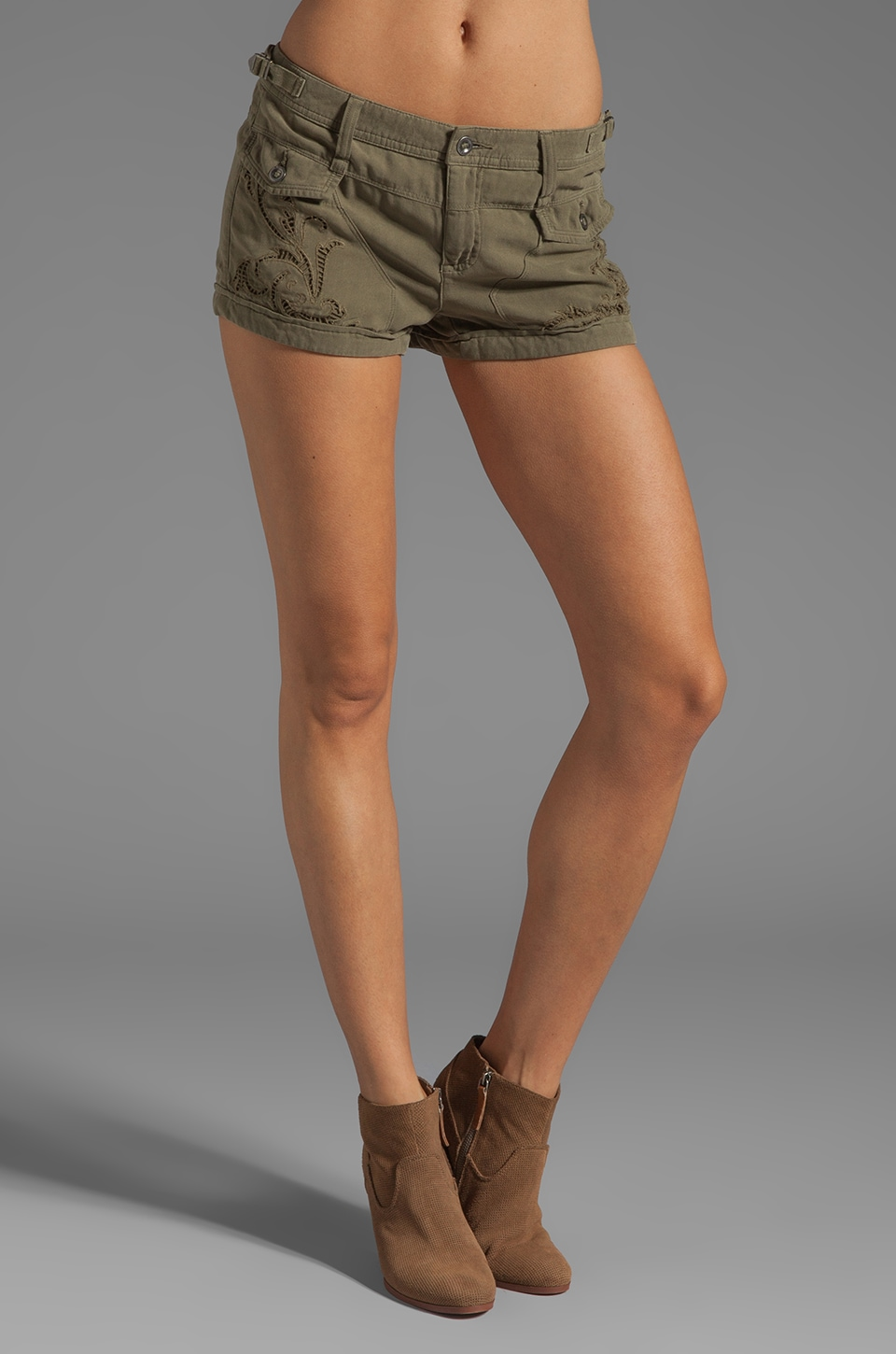 Da-Nang Double Pocket Shorts in Fern