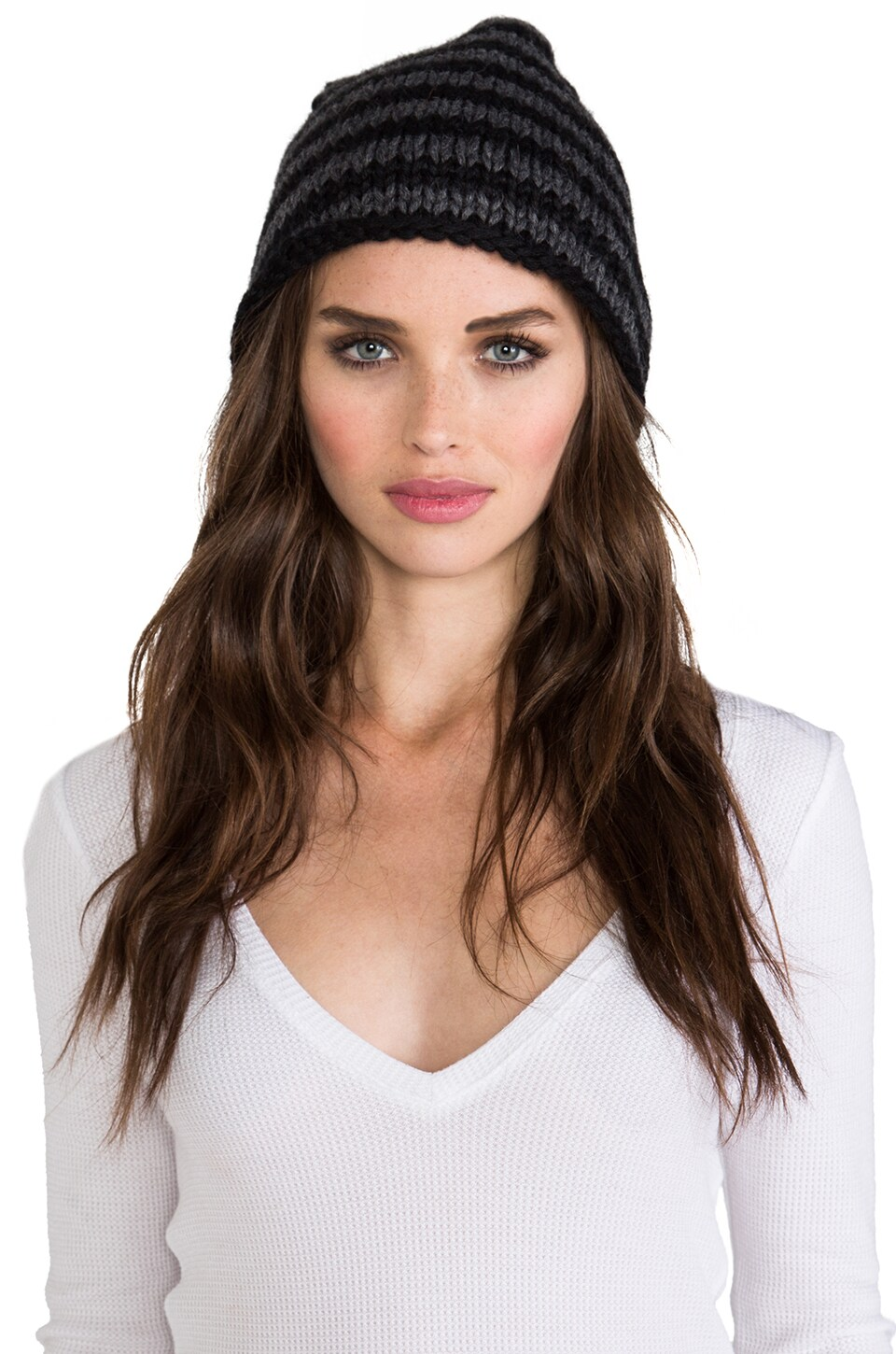DE NADA Beanie Knit in Black/Charcoal