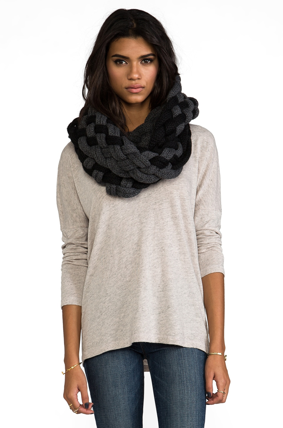 DE NADA Woven Infinity Scarf in Black/Charcoal