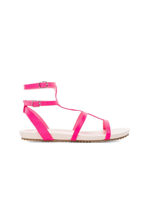 Dolce Vita Bengie Gladiator in Neon Pink