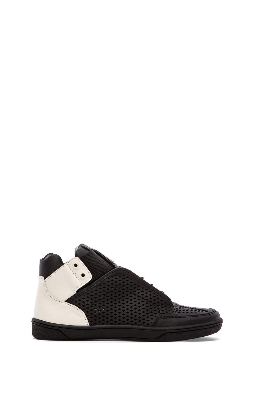 Dolce Vita Vinna Sneaker in Black