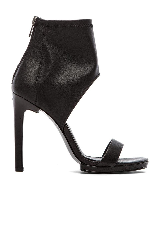 Dolce Vita Savana Heel in Black
