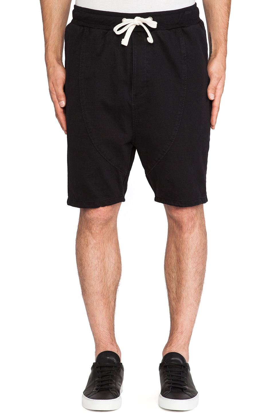 Drifter Wolfe Sweatshort in Black