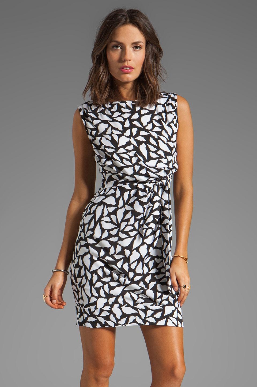 Diane von Furstenberg New Della Dress in Lips Silhouette