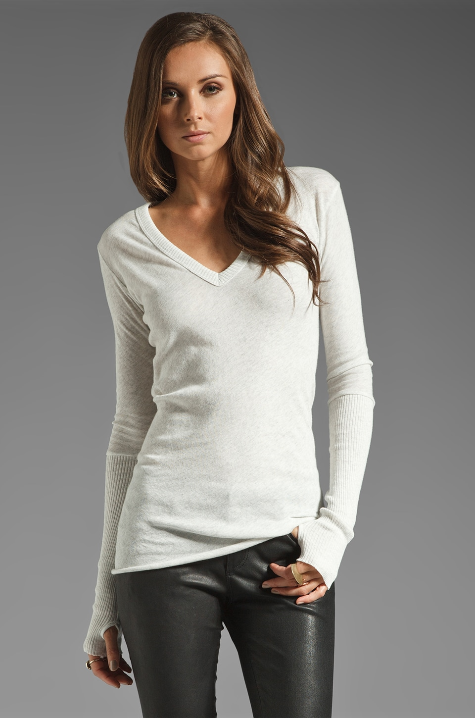 Enza Costa Cashmere Fitted Cuffed V Neck Sweater in Ash
