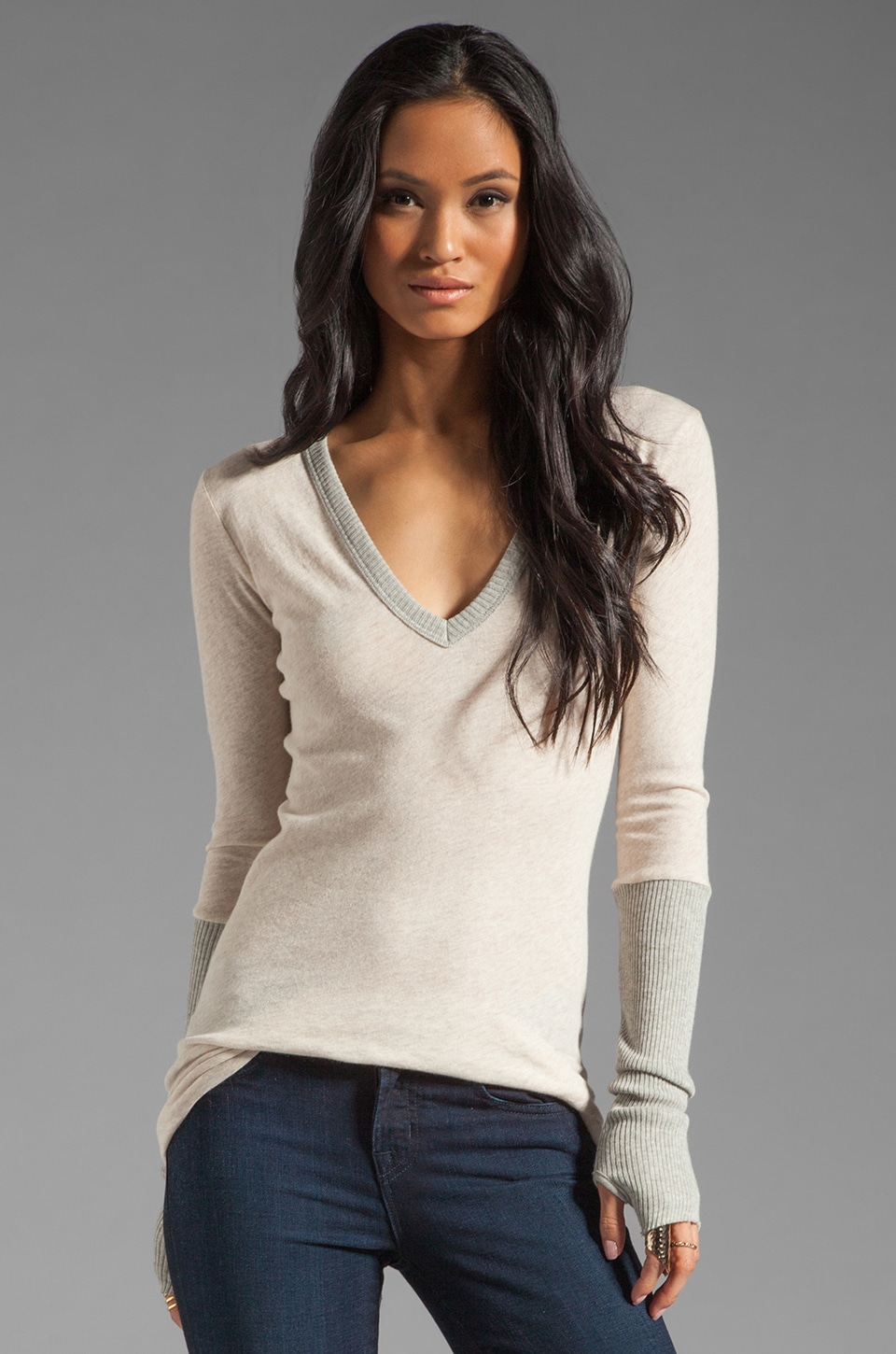 Enza Costa Cashmere Colorblock Cuffed V Neck Sweater in Oatmeal/Light Heather Grey