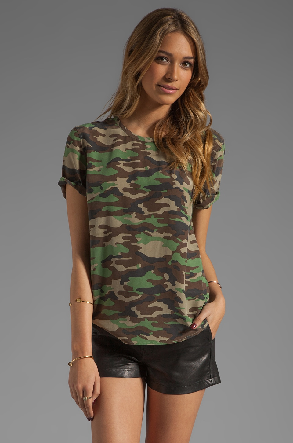 Equipment Riley Tee in Safari Green Multi