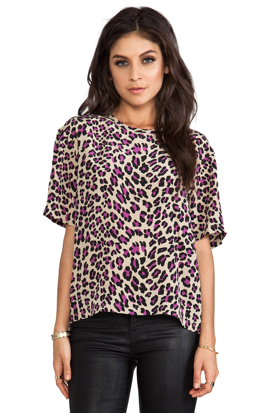 Equipment Logan Modern Leopard Tee in Dune
