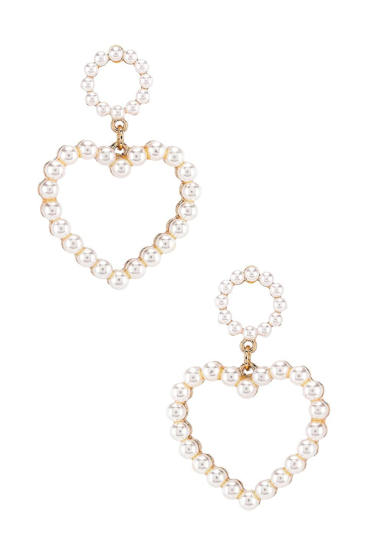 Ettika Heart Pearl Earring in Pearl & Gold