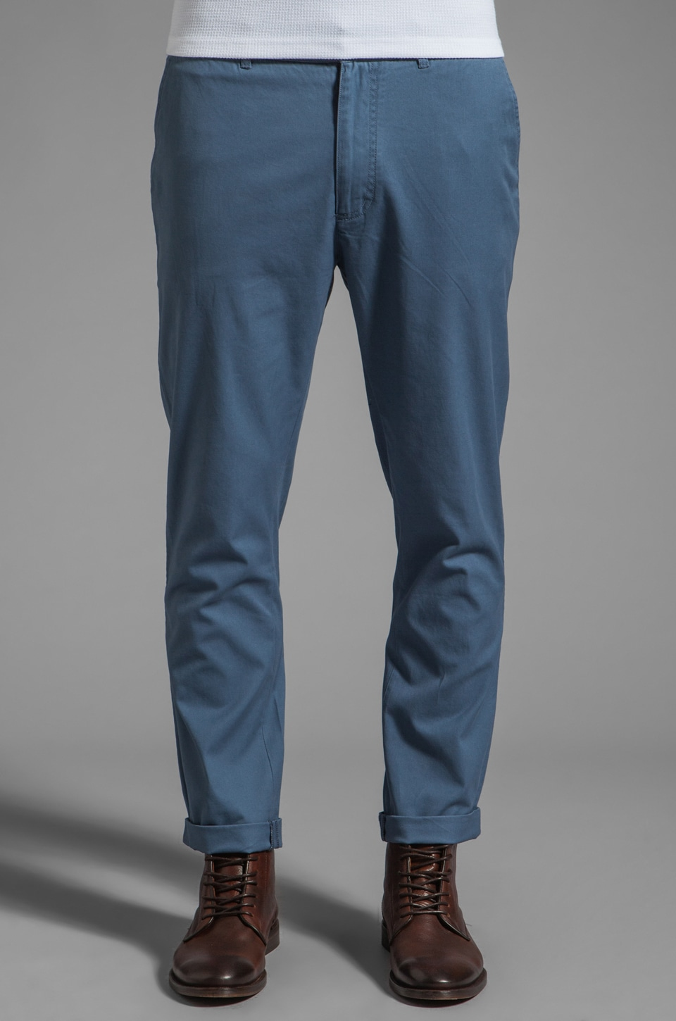 FARAH VINTAGE The Chester Twill Tailored Chino in Grey Blue