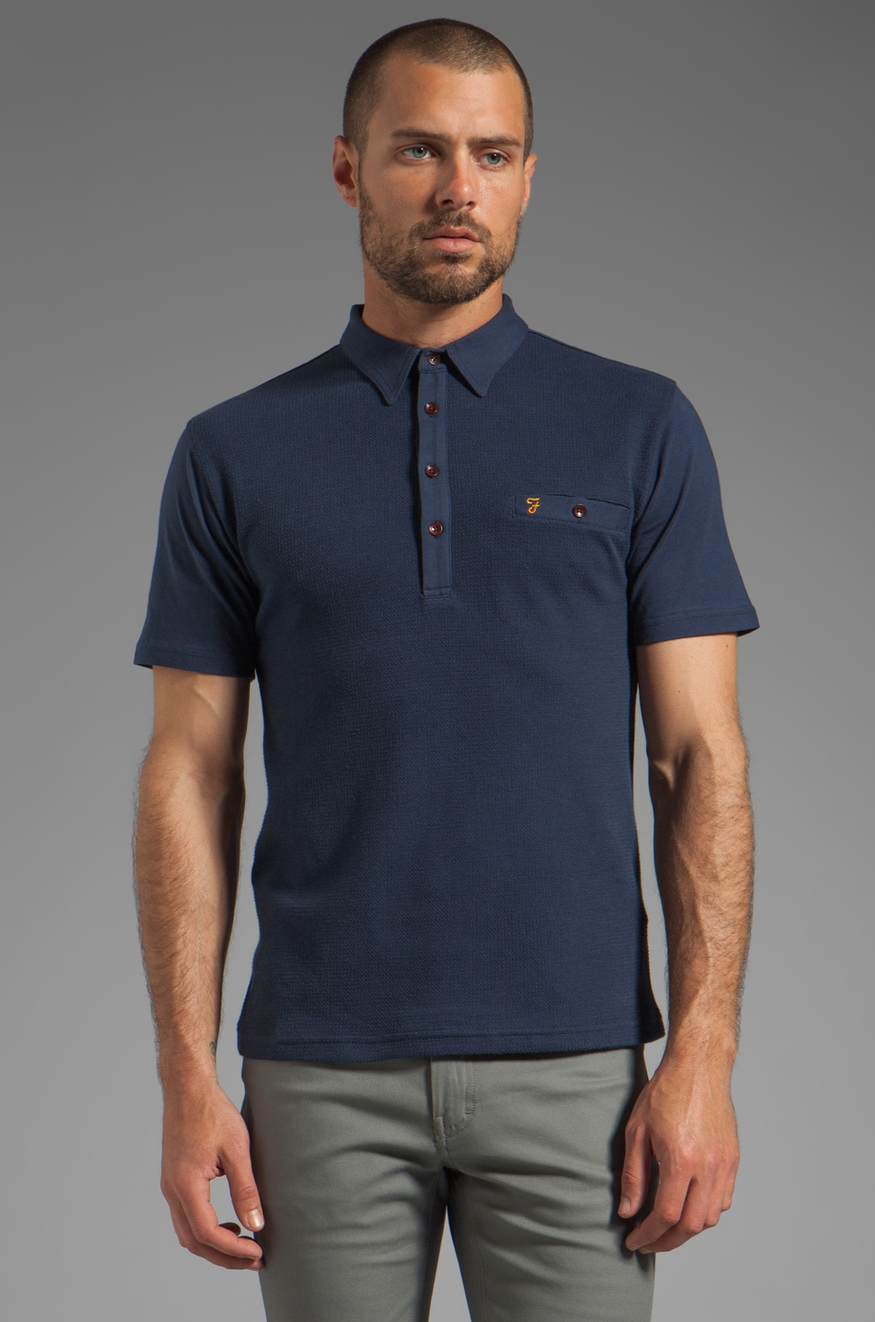 FARAH VINTAGE The Lester Textured Front Welt Pocket Polo in Midnight