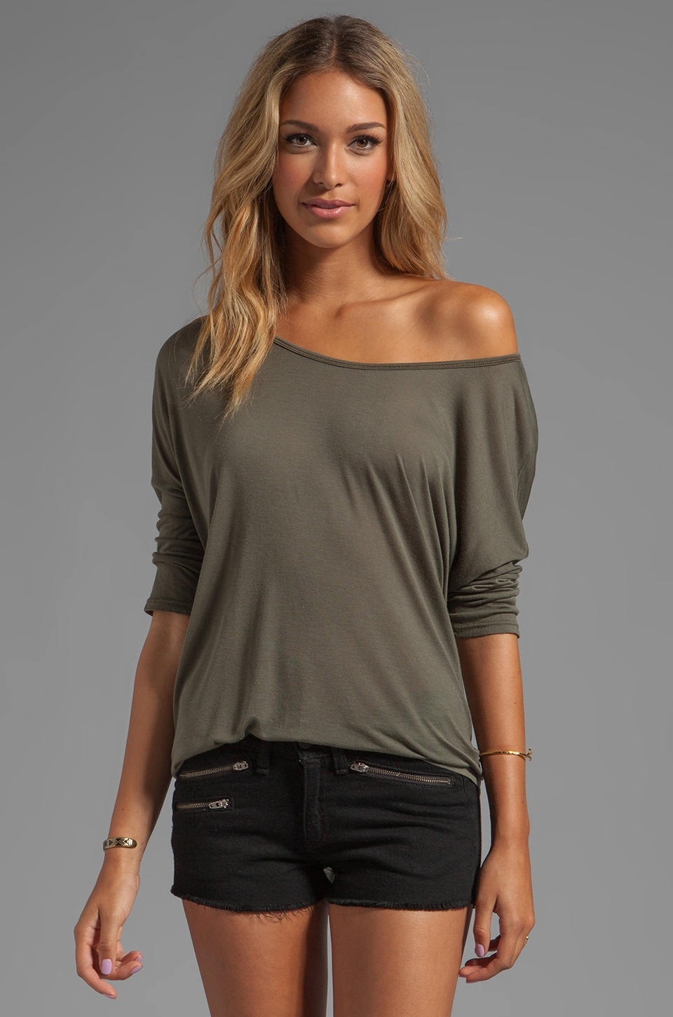 Feel the Piece Back Stitch Top in Army