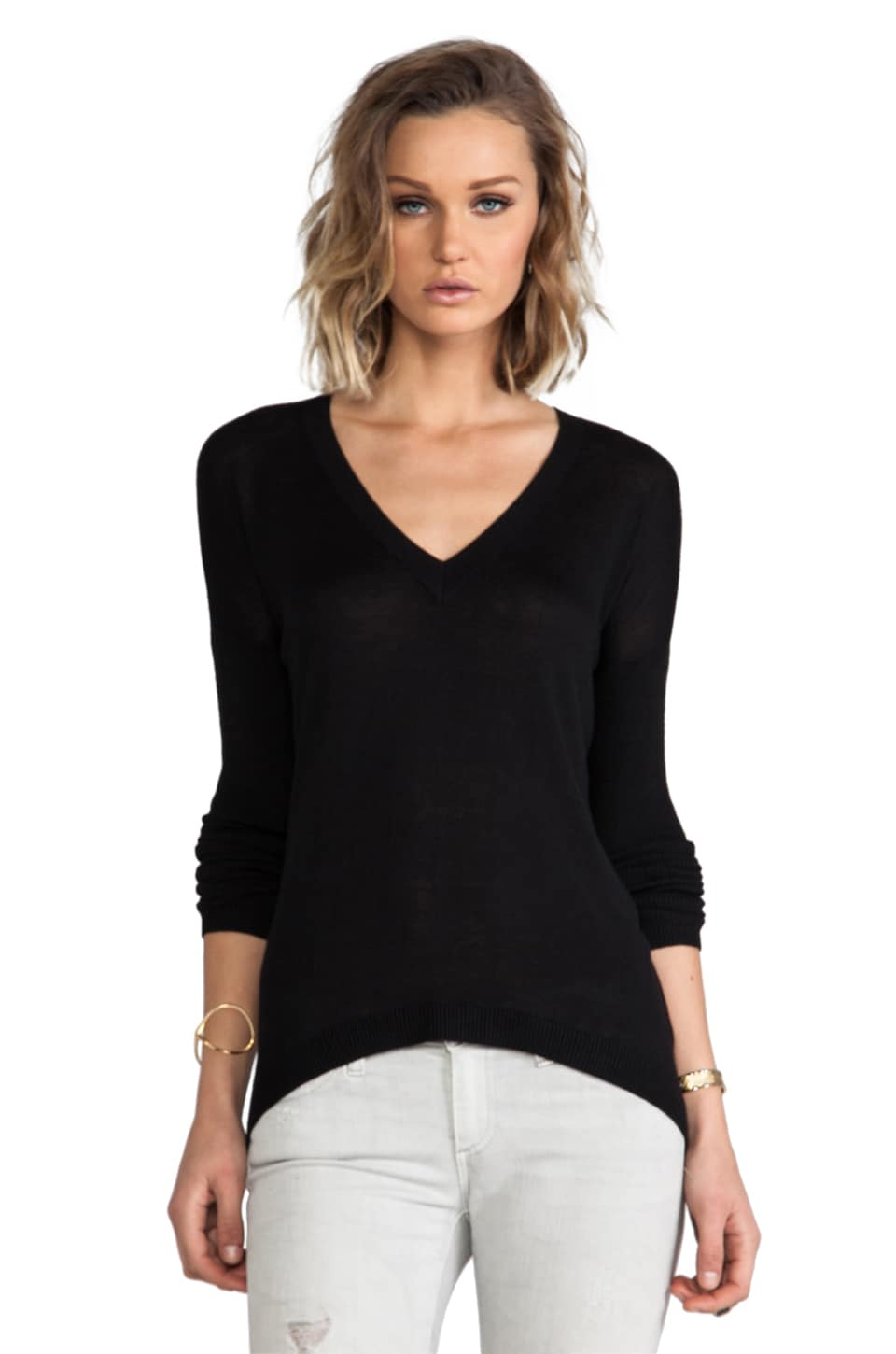 Feel the Piece V Neck in Black