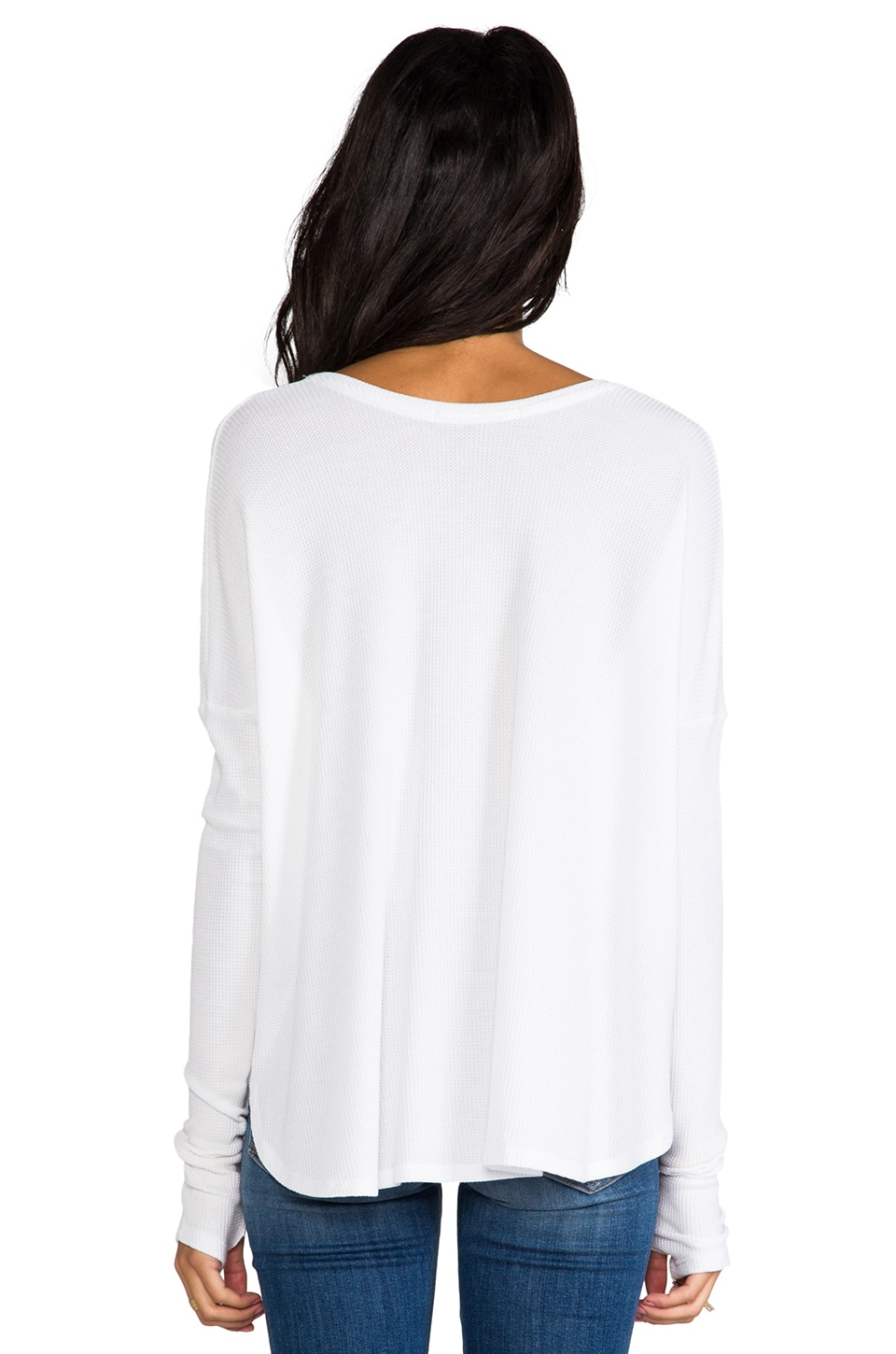 Feel the Piece Robin Thermal Flowy Top with Thumb Holes in White
