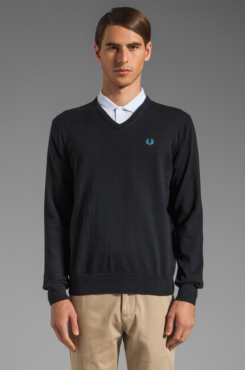 Fred Perry Classic Tipped V-Neck Sweater in Navy
