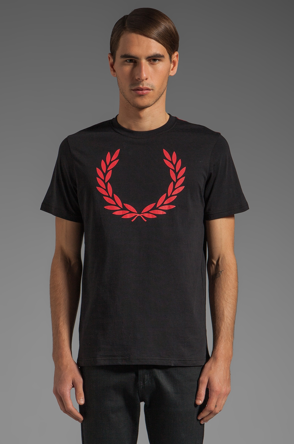 Fred Perry Laurel Print T-Shirt in Black/Hibiscus Pink